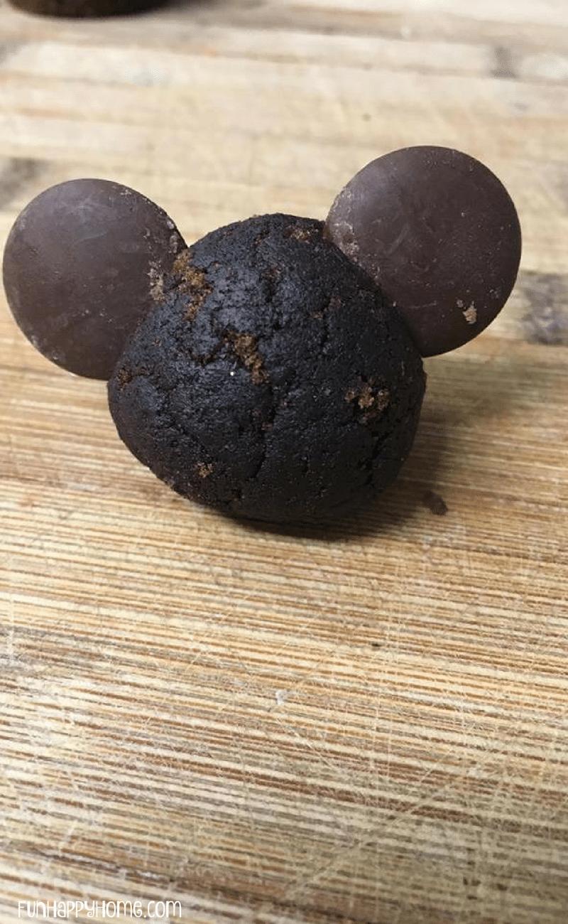 minnie and mickie cake balls (2)